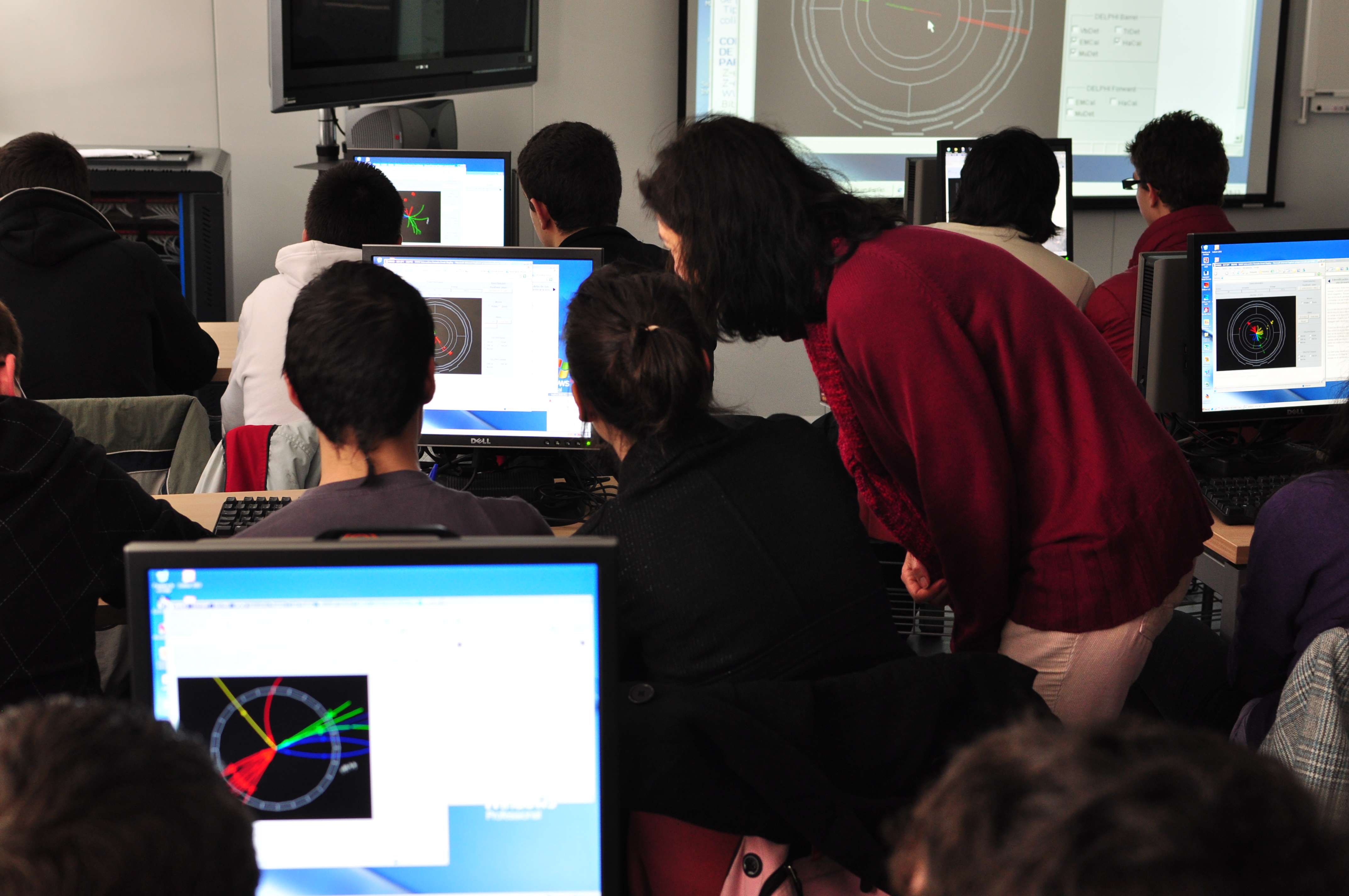 Particle physics masterclasses
